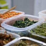 外国人留学生に「お弁当」を無償配布、居酒屋代表の想いと行動力